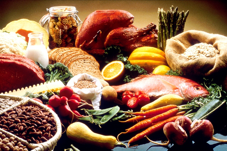 Good_Food_Display_-_NCI_Visuals_Online simple wikipedia